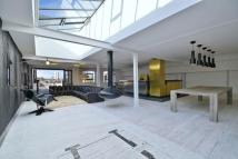 2 bed Flat to rent in Metropolitan Wharf...