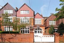 5 bed Detached home in Daylesford Avenue...