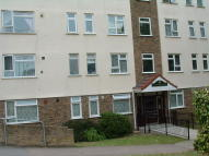 Flat to rent in Humber Crescent, Strood...