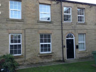 2 bed Apartment to rent in HALIFAX ROAD, Liversedge...