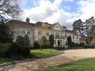 Apartment in Priory Road, Sunningdale...