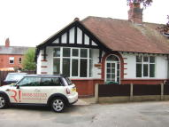 3 bed Semi-Detached Bungalow to rent in Malvern, HEYSOMS AVENUE...