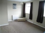 Flat in WOODHOUSE LANE EAST...