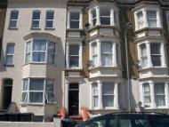 2 bed Flat to rent in Godwin Road...