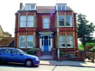 1 bed Flat to rent in Approach Road...
