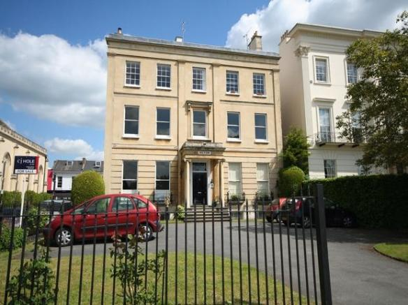 2 Bedroom Apartment For Sale In Suffolk Square Cheltenham Gl50