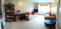 Apartment in Fairfield Close...