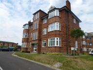 2 bed Flat to rent in Oakleigh Road North...