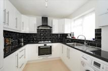 2 bedroom Apartment to rent in Marshalls Close...