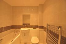 2 bedroom Flat in Sunningdale Avenue...