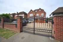 5 bedroom Detached house to rent in Warren Road, Ickenham...