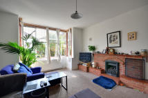 4 bed house in Acacia Avenue, Eastcote...