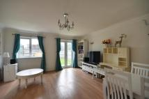 Flat to rent in West Mead...
