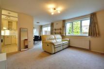 3 bed house in Aylsham Drive, Ickenham...