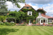 6 bedroom Detached home in TIPTOE