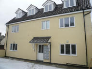 Flat to rent in Gun Lane, Lowestoft...