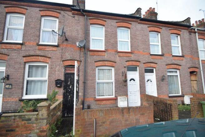 2 bedroom terraced house for sale in naseby road luton lu1