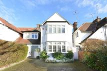 6 bedroom house in Hodford Road, London...