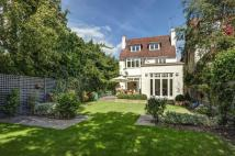 5 bedroom property for sale in Briardale Gardens...
