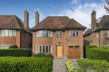 6 bedroom property in Kingsley Way...