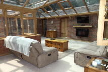 Cottage to rent in Arundel