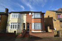 3 bedroom house in Palm Road, Romford