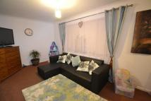 2 bed Flat to rent in Forest Road, Romford
