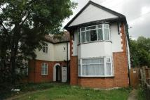 Studio flat in Rosedale Road, Romford
