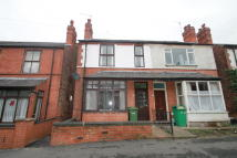 3 bedroom semi detached house to rent in Percival Road, Sherwood...