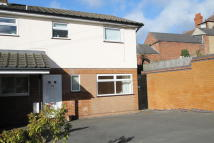 2 bed Ground Flat to rent in 89A Plumptre Way...