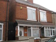 2 bed semi detached house to rent in Howard Street...