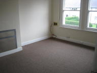 Flat to rent in Bowbridge Road, Newark...