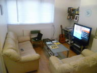 Studio apartment in Newby Place, London, E14
