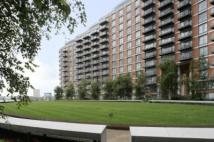1 bedroom Studio flat to rent in Fairmont Avenue, London...