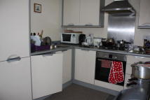 2 bed Flat in Piper Way, Ilford, IG1