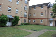 2 bed Flat to rent in Piper Way, Ilford, IG1