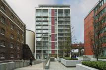 Flat Share in Hertsmere Road, London...