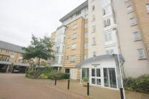 Flat to rent in St. Davids Square...