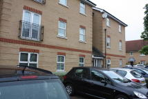 2 bedroom Flat to rent in Piper Way, Ilford, IG1