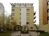 1 bed Flat to rent in Westferry Road, London...