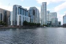Flat to rent in Millharbour, London, E14