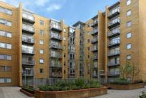 Flat to rent in Cassilis Road, London...