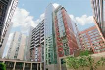 Flat to rent in Salamanca Place, London...