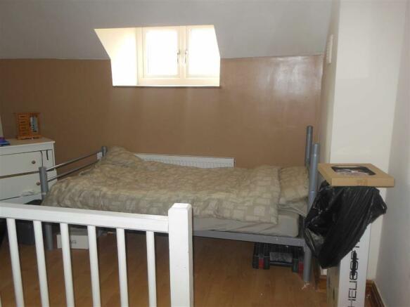 Bedroom no. 3 attic: