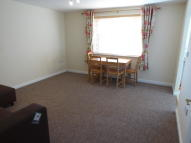 Flat to rent in Nightingale Crescent...