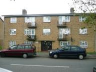 3 bed Flat in Bushfield Crescent...