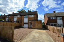 End of Terrace house to rent in Huntwick Crescent...