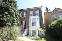 Flat to rent in Dagnall Park, London...