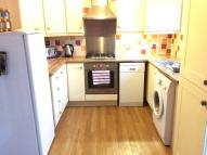 Flat to rent in Mersham Road...