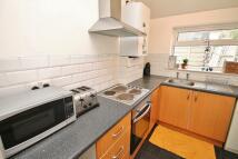 Maisonette to rent in Elm Road, Thornton Heath...